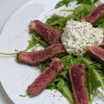 Roast Beef auf Limetten-Rucola-Salat