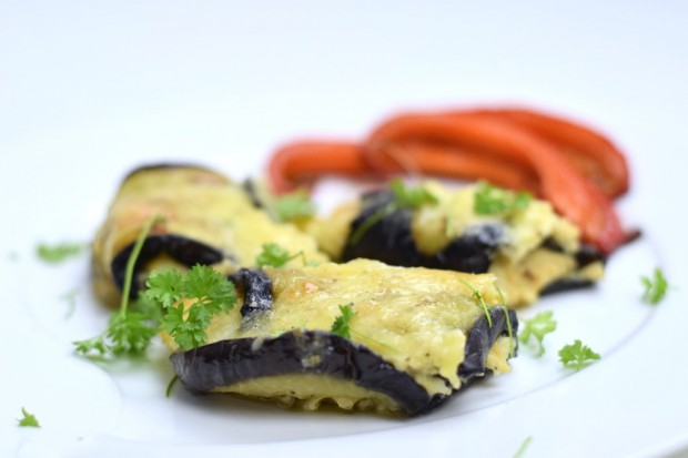 Auberginen-Käse-Röllchen