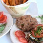 vegetarischer low carb burger mit s kartoffelpommes lachfoodies k stliche low carb rezepte. Black Bedroom Furniture Sets. Home Design Ideas