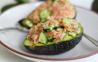 Räucherlachs auf Avocado
