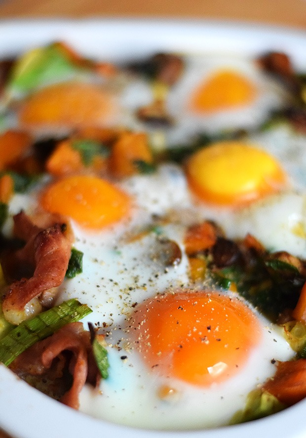 Bunte gebackene Eier