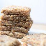 low carb kaese kraeuter plaetzchen brot glutenfrei backen rezept