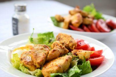 Schneller Chicken-Curry-Salat