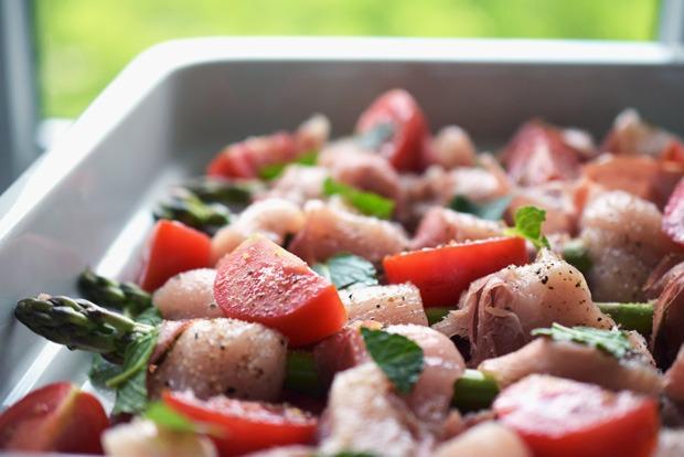 spargel-huhn-spiesse-mit-wenig-kohlenhydraten-vorbereitung