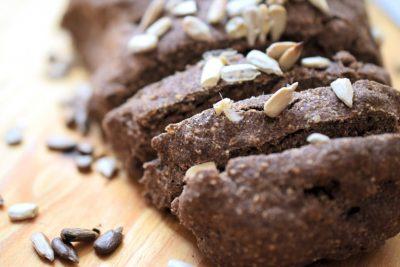 Glutenfreies Brot mit Lein- und Mandelmehl