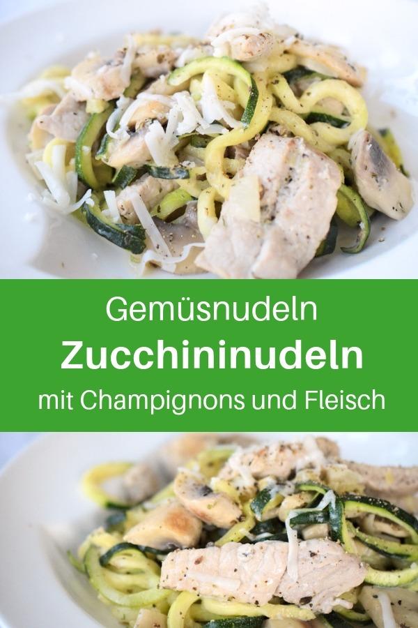 Einfache Zucchininudeln mit Sahne-Sauce, Champignons, Fleisch und Gewürzen. Diese Gemüsenudeln aus Zucchini sind super lecker und schnell gemacht. Low Carb Nudeln. Ein Rezept für jeden Tag. Ein Gemüsenudeln-Rezept mit Zucchininudeln. Zoodles-Rezept mit Parmesan. Lass dir deine Gemüsenudeln schmecken. #lachfoodies #lowcarbrezepte #gemüsenudeln