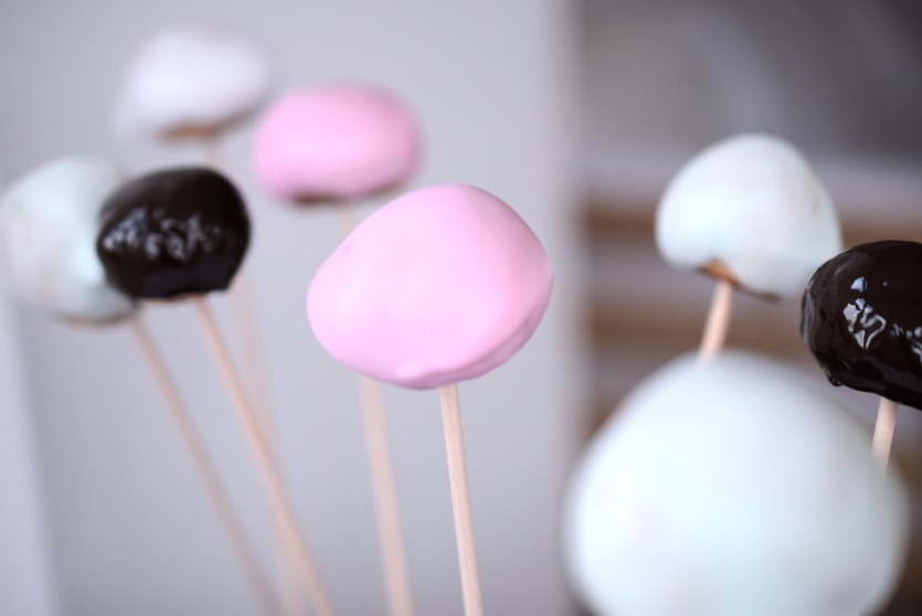 Low Carb Cakepops ohne Ei Glutenfrei Zuckerfrei Zuckerguss abnehmen Backblog München