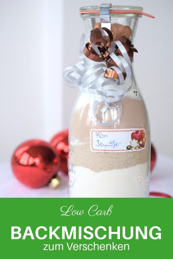 Bist du auf der Suche nach einer Geschenkidee für deine Low Carb Freunde? Hier findest du das Rezept für eine Backmischung ohne Zucker. Low Carb Backen Rezepte. Fülle Zutaten ab, drucke ein passendes Low Carb Rezept aus und fertig ist dein Low Carb Geschenk. #lowcarbrezepte #geschenkidee #backen #lachfoodies