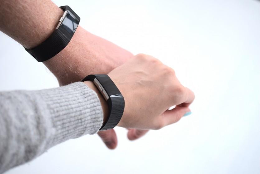 Mit einer Fitnessuhr wieder in Schwung kommen | Fitbit Charge 2 Review Fitnessarmband