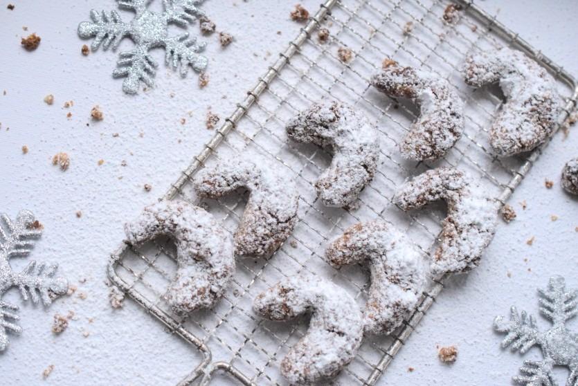 Low Carb Vanillekipferl mit gemahlenen Mandeln Rezept Low Carb Weihnachtsplätzchen
