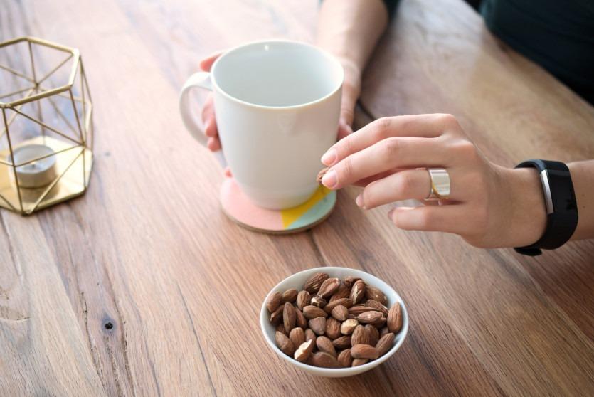 Gesunde Ernährungsgewohnheiten trotz Stress aufrechterhalten