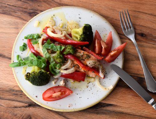 Folien-Lachs mit Gemüse aus dem Backofen (mit Video)