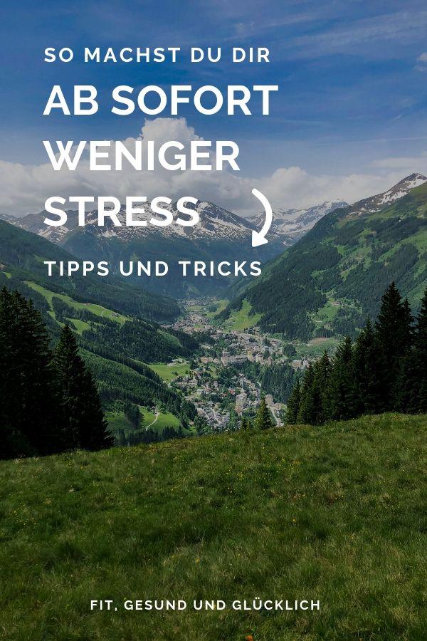 Suchst du Tipps gegen Stress in deinem Alltag? Hier findest du Tipps für die Stressbewältigung. Dein Mindset spielt beim Stress abbauen eine ganz große Rolle. Anti-Stress-Tipps. Weniger Stress im Alltag. #stressbewältigung #glücklich