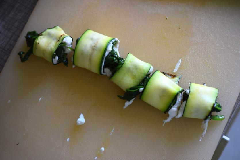 Zucchini-Lasagne-Röllchen mit Spinat